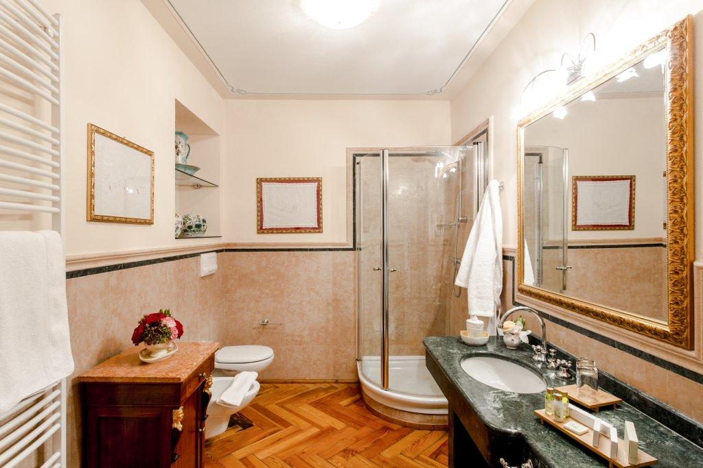 Boutique Hotel Villa Sostaga, Gargnano, Lake Garda Image 3