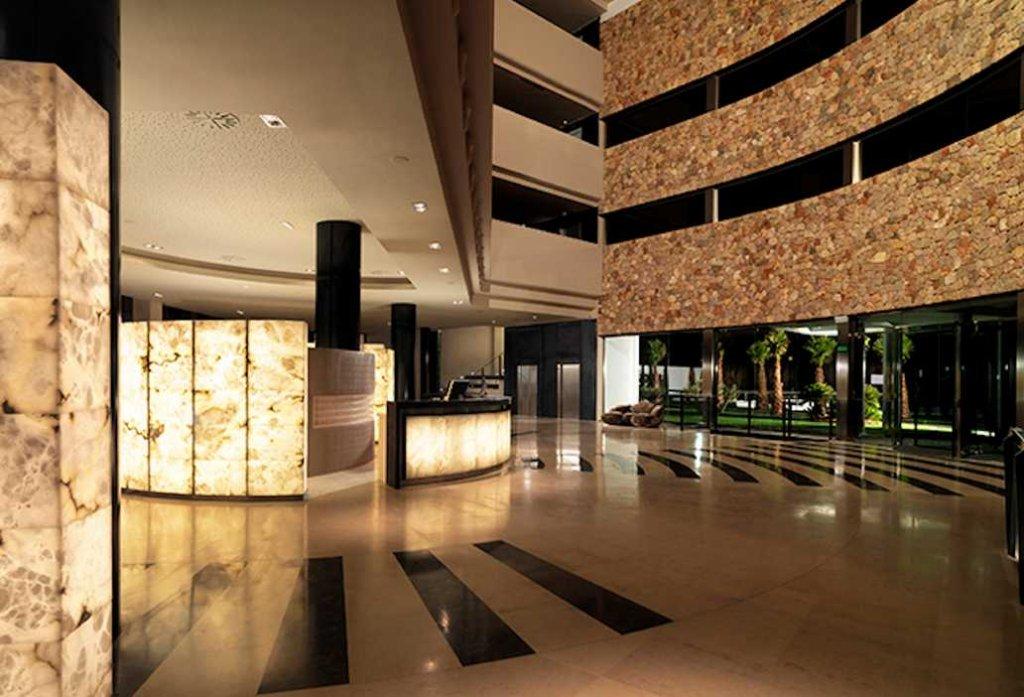 Aguas De Ibiza Grand Luxe Hotel, Santa Eularia Des Riu Image 5