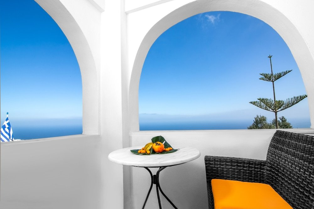 Abelonas Retreat, Santorini Image 24