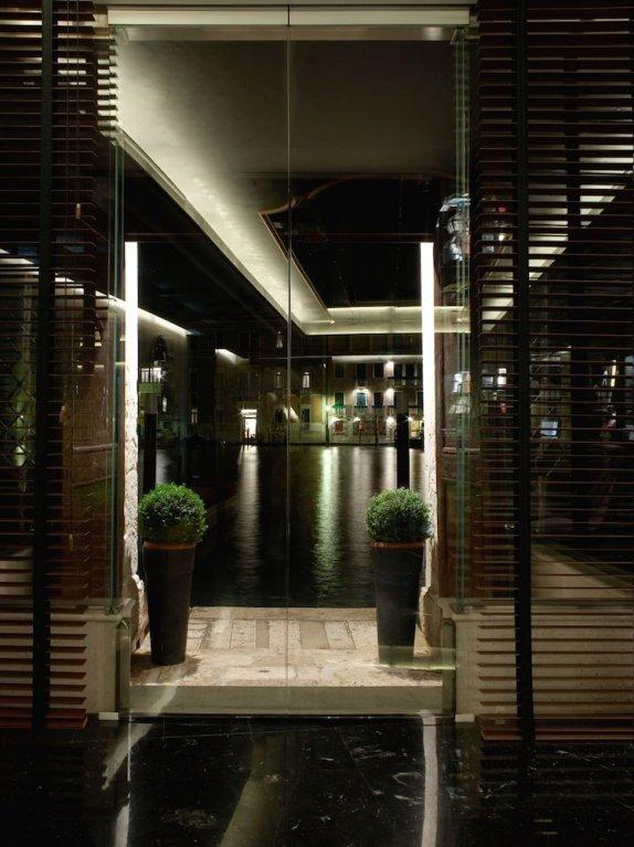Palazzo Barbarigo Sul Canal Grande, Venice Image 7