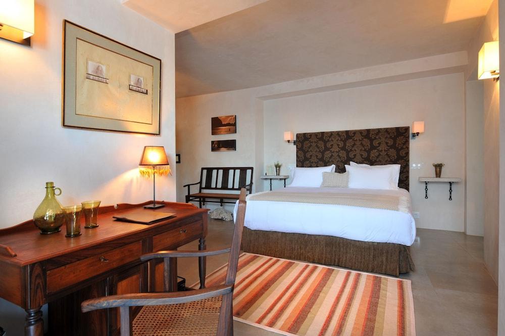Hotel V..., Cadiz Image 1