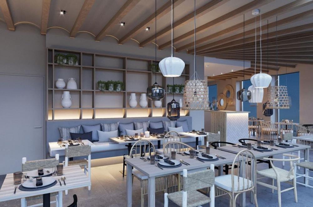 You & Co. Quart Boutique, Valencia Image 0