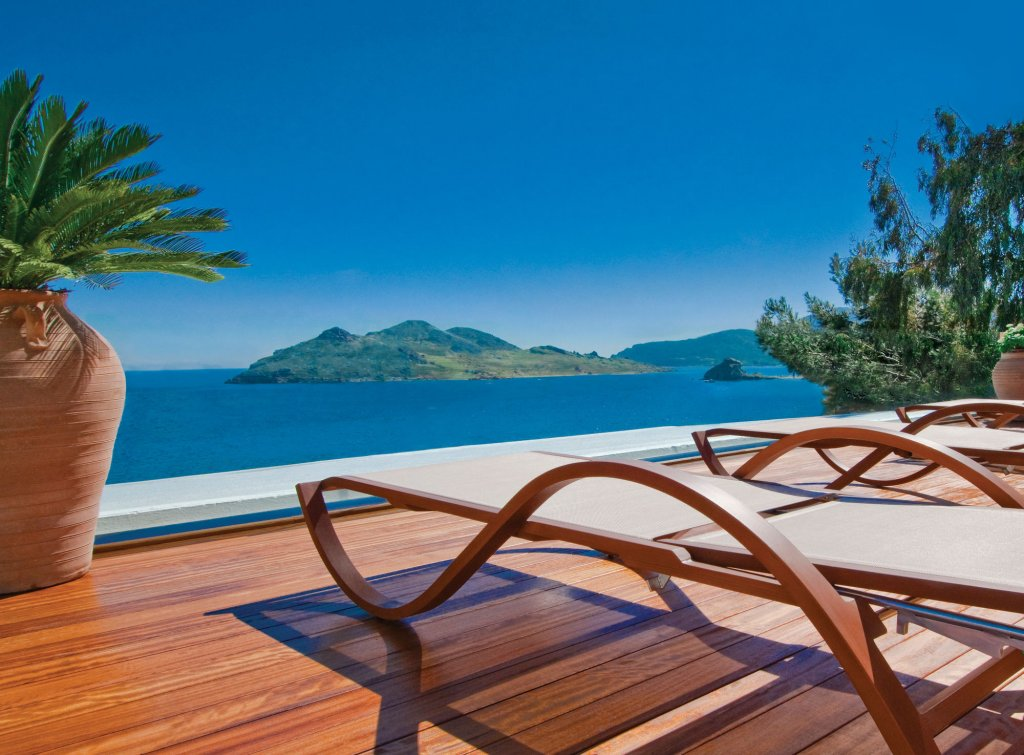 Petra Hotel And Suites, Patmos Image 2