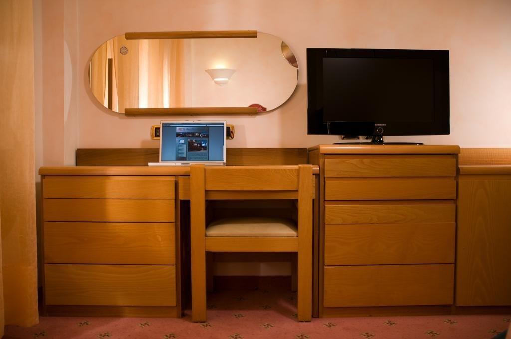 Grand Hotel Ambasciatori Wellness & Spa, Sorrento Image 12