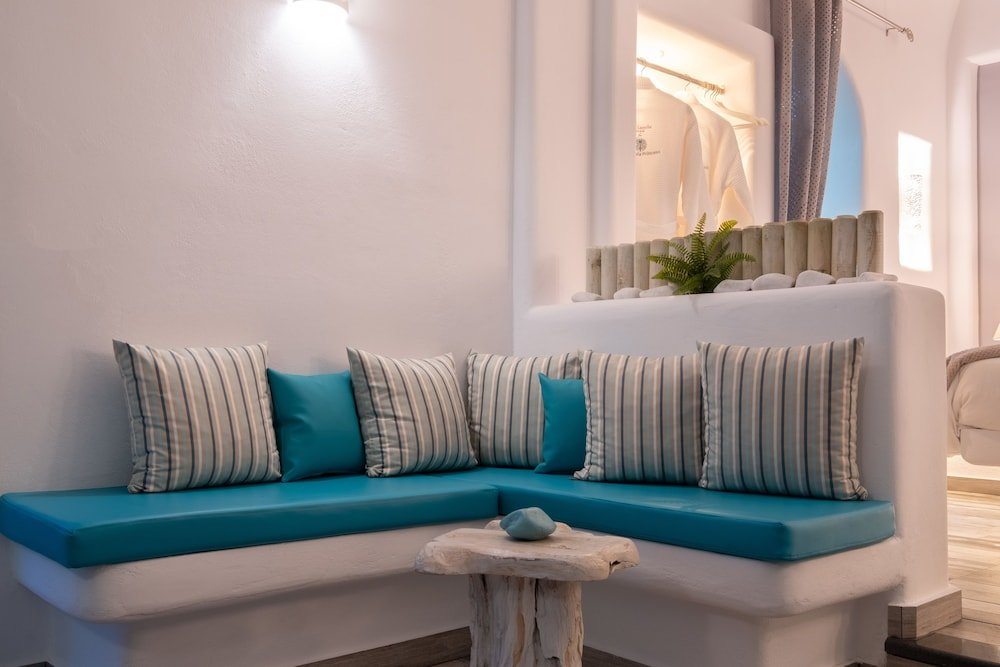 Anastasia Princess Luxury Residence & Suites, Perissa, Santorini Image 8
