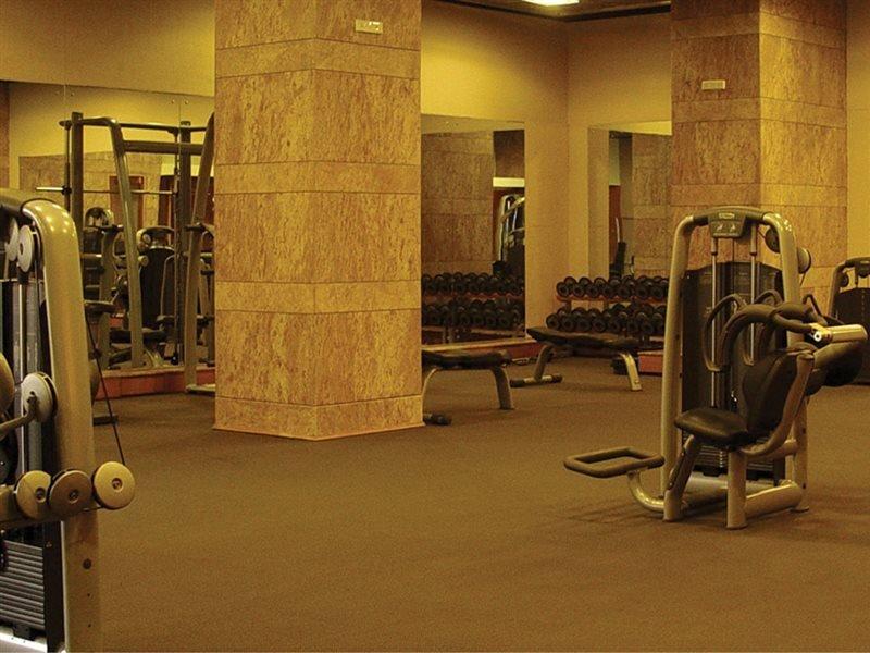Grand Hyatt Mumbai Hotel And Serviced Apartments Image 4