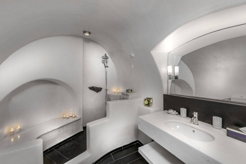 Aigialos Luxury Traditional Houses, Santorini Image 11