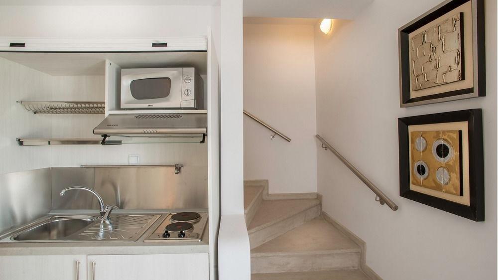 Santorini Secret Suites & Spa Image 9