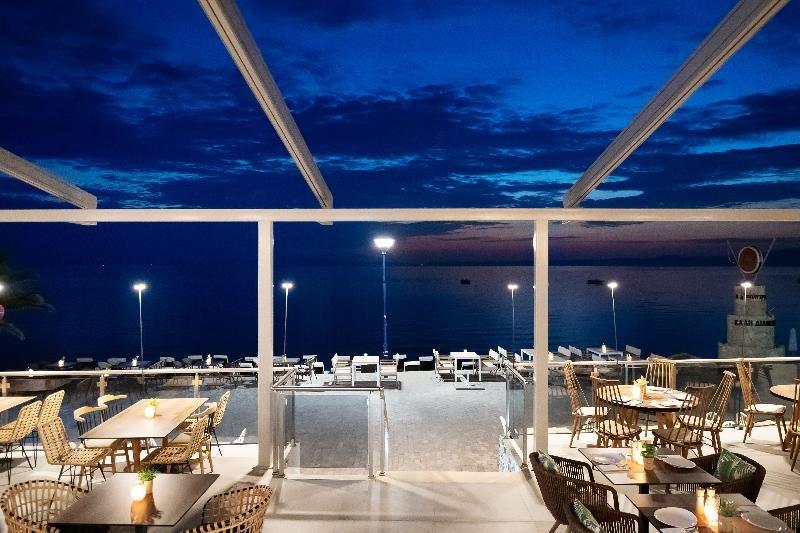 Sea Level Hotel Polychrono Image 32