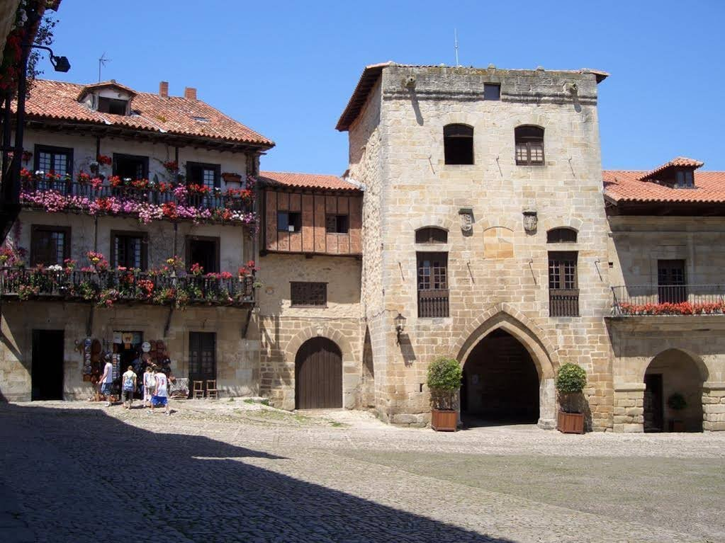 Hotel Cuevas, Santillana Del Mar Image 14