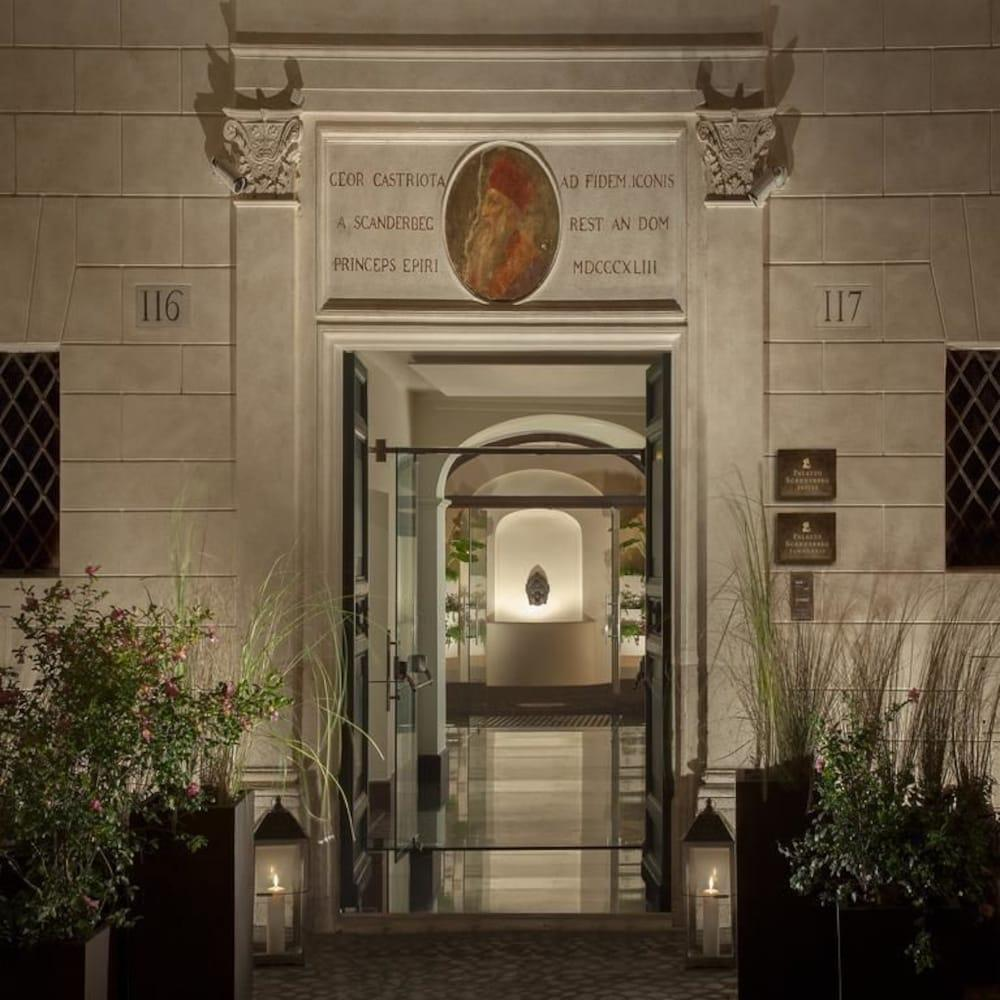 Palazzo Scanderbeg, Rome Image 2