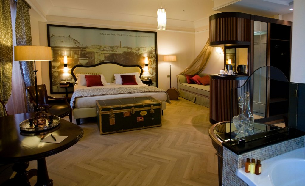 Grand Hotel Savoia, Genoa Image 10