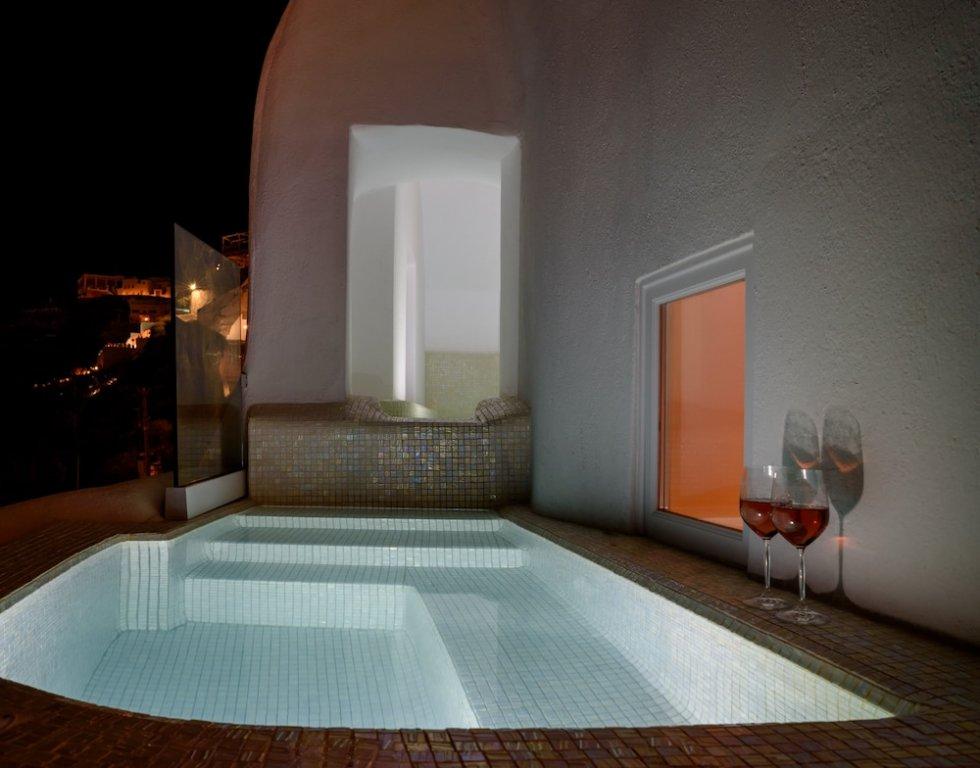 Nefeles Luxury Suites, Fira, Santorini Image 2