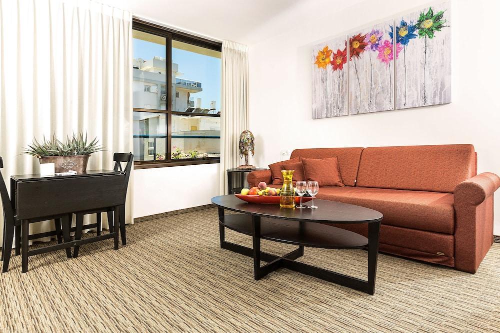 Arbel Suites Hotel, Tel Aviv Image 0