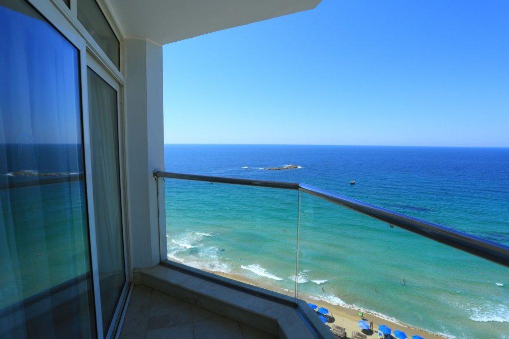 Hilton Alexandria Corniche Image 11