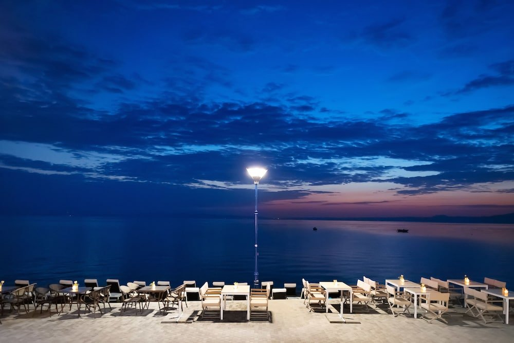 Sea Level Hotel Polychrono Image 25