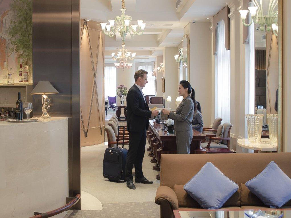 Lanson Place Hotel, Hong Kong Image 2