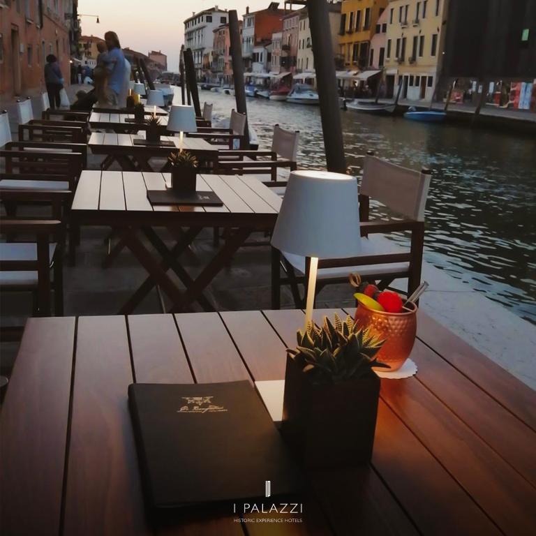 Ca' Bonfadini Historic Experience, Venice Image 9