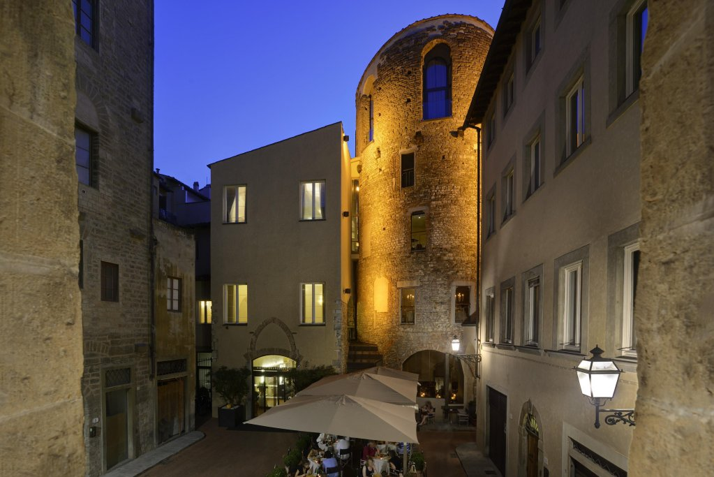 Brunelleschi Hotel, Florence Image 4