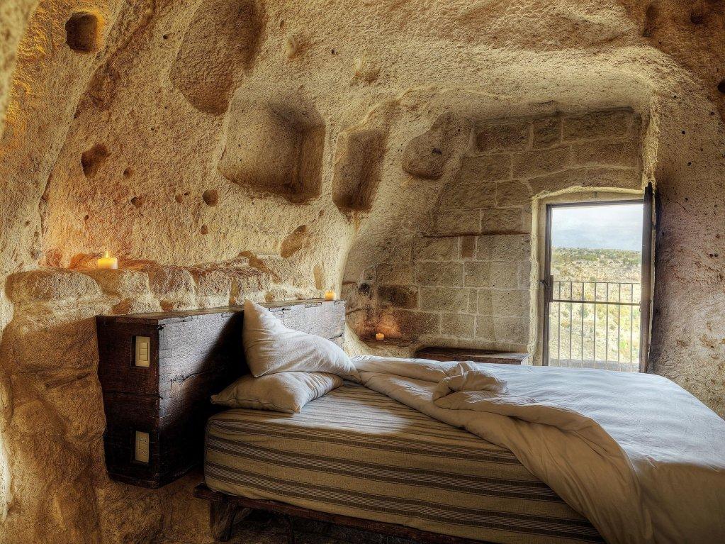 Sextantio Le Grotte Della Civita, Matera Image 1