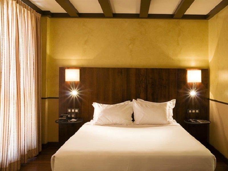 Ac Hotel Palacio Del Carmen, Santiago De Compostela Image 0