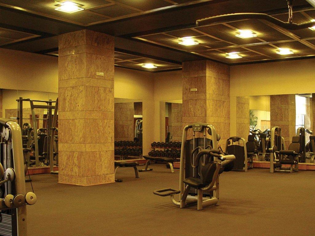Grand Hyatt Mumbai Hotel And Serviced Apartments Image 10