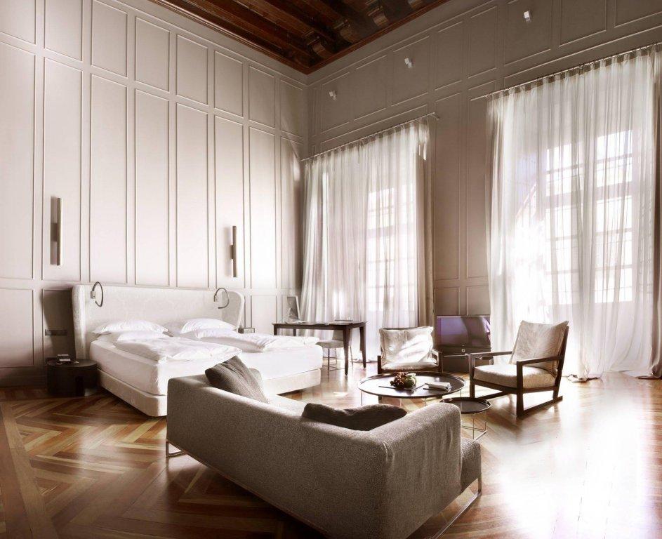 Hotel Palacio De Villapanes, Seville Image 10