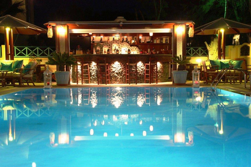 Anastasia Princess Luxury Residence & Suites, Perissa, Santorini Image 6