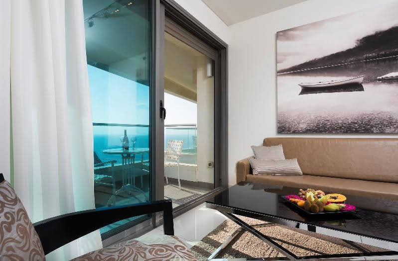 West Tel Aviv - All Suites Hotel By The Sea Image 0