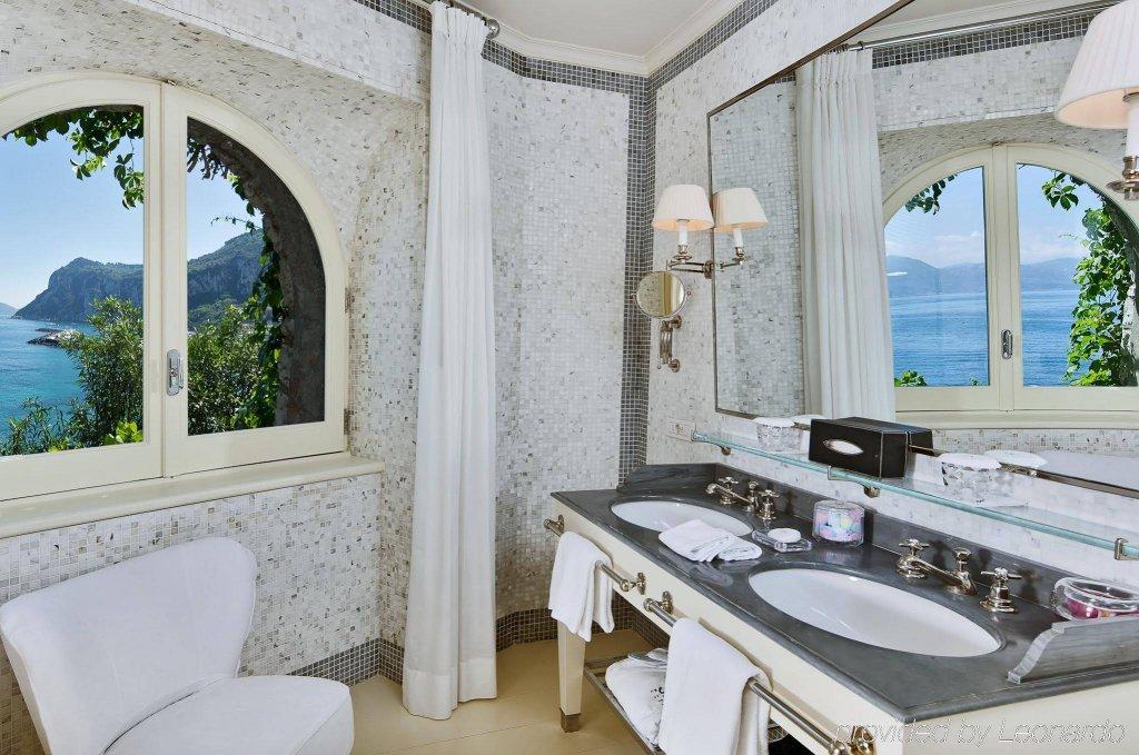 Jk Capri Place Image 2