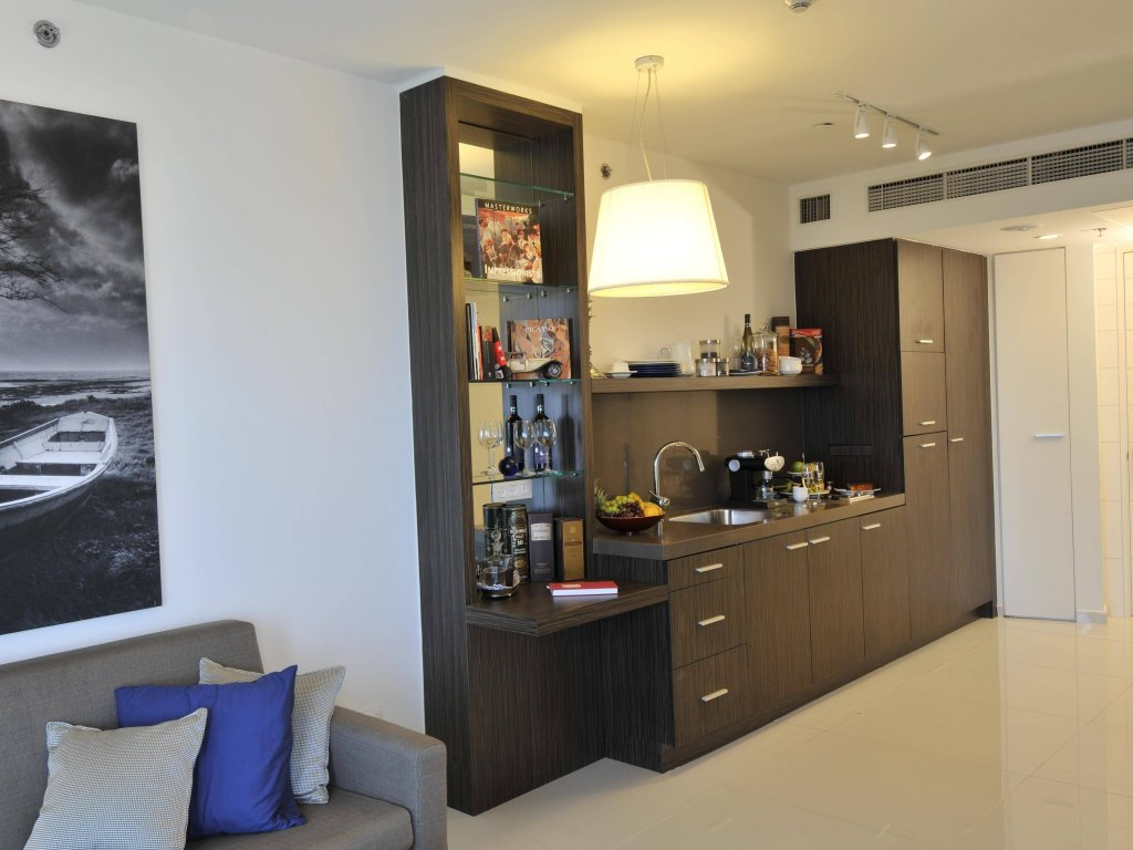 West Tel Aviv - All Suites Hotel By The Sea Image 20
