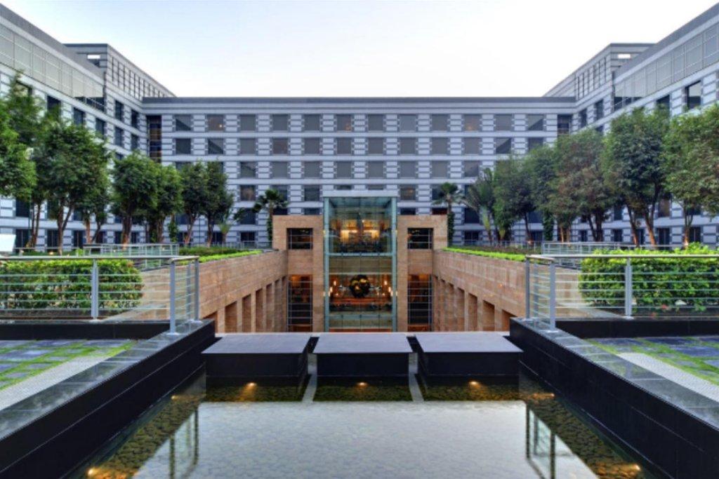 Grand Hyatt Mumbai Hotel And Serviced Apartments Image 5