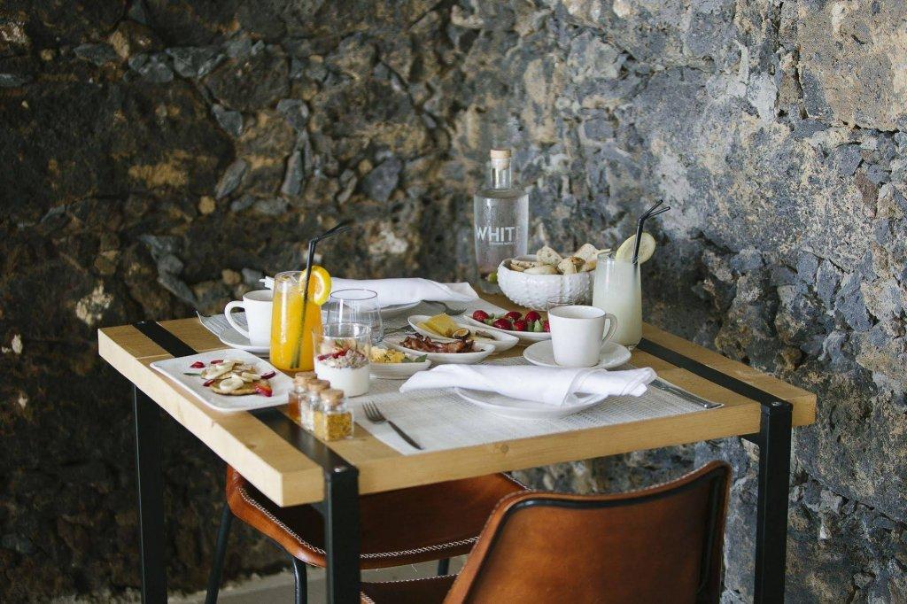 White Exclusive Suites & Villas, Lagoa Image 29