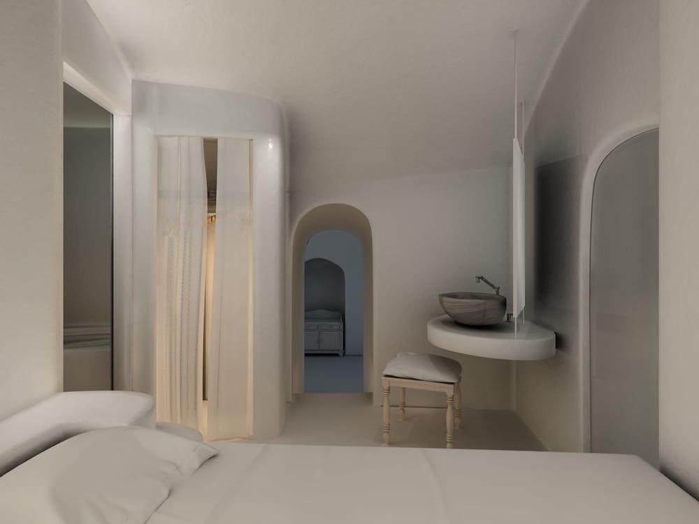 Nefeles Luxury Suites, Fira, Santorini Image 24