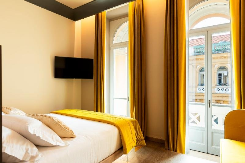 Amadomus Luxury Suites, Naples Image 9