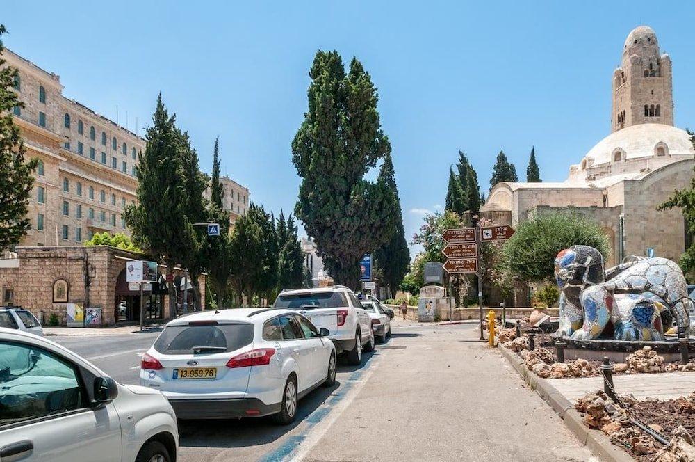King David Court Jerusalem Image 49