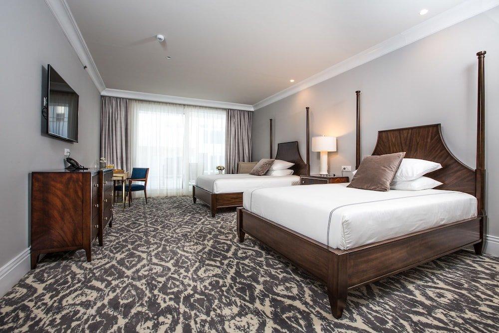 Royal Blue Hotel Image 2