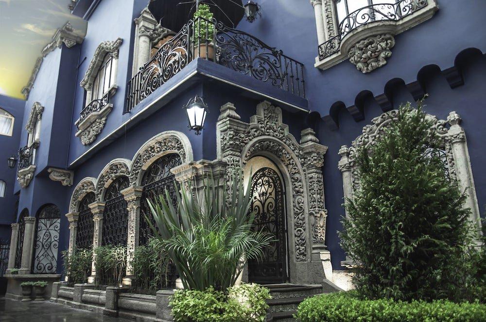 Pug Seal Tennyson, Mexico City Image 4