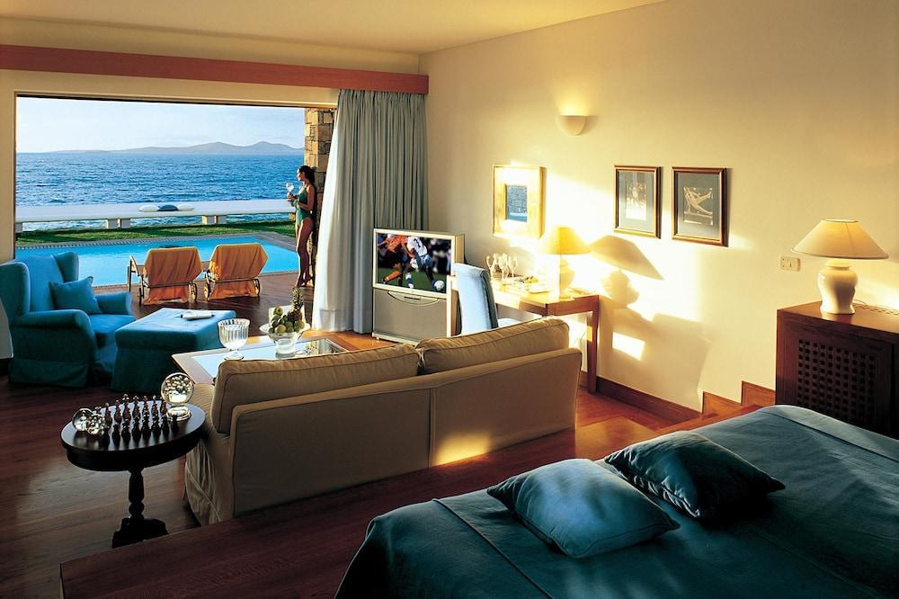 Grand Resort Lagonissi Image 15