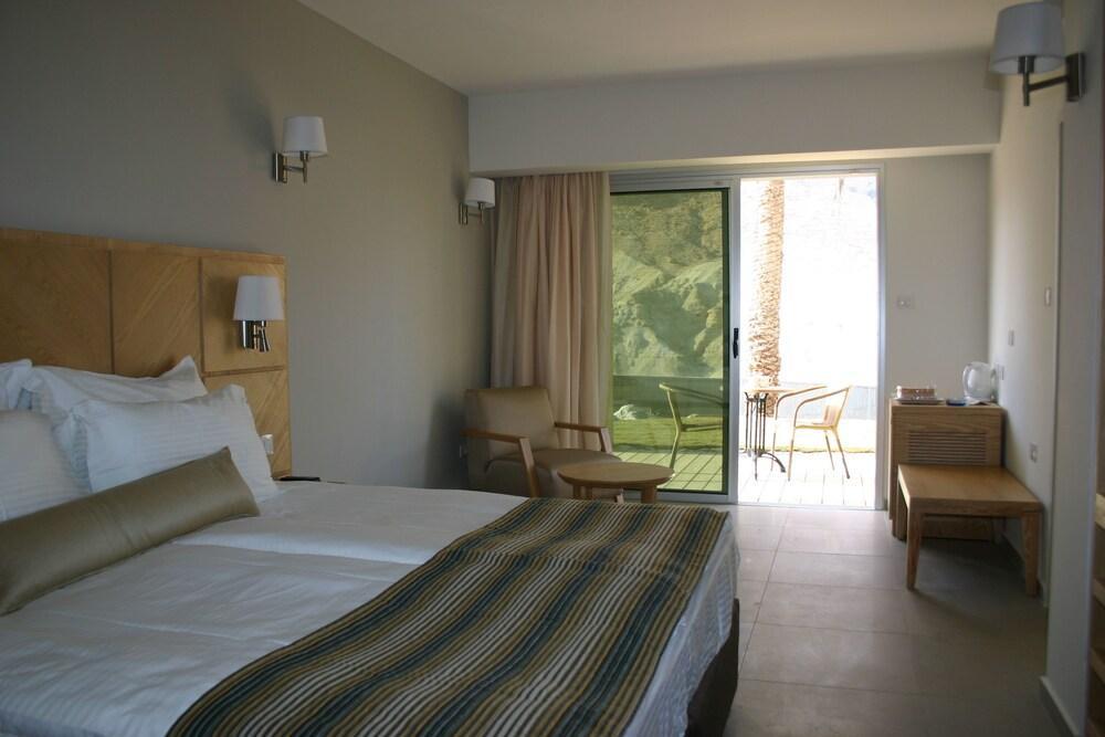 Ein Gedi Kibbutz Hotel Image 16
