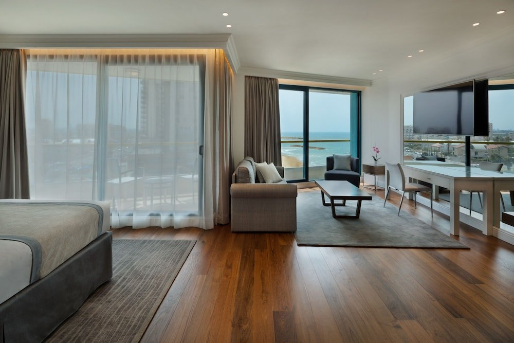 Okeanos Suites Herzliya Hotel By Herbert Samuel Image 5