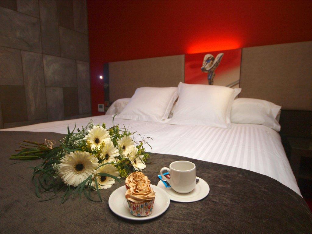 Costa Esmeralda Suites, Suances Image 5