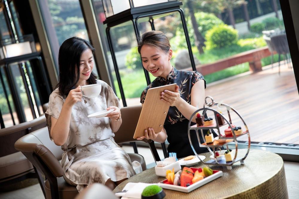 Hualuxe Xian Tanghua, An Ihg Hotel Image 50