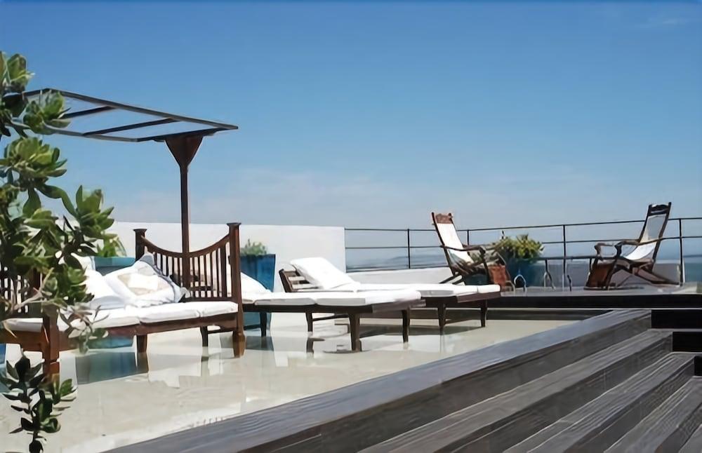 Hotel V..., Cadiz Image 6
