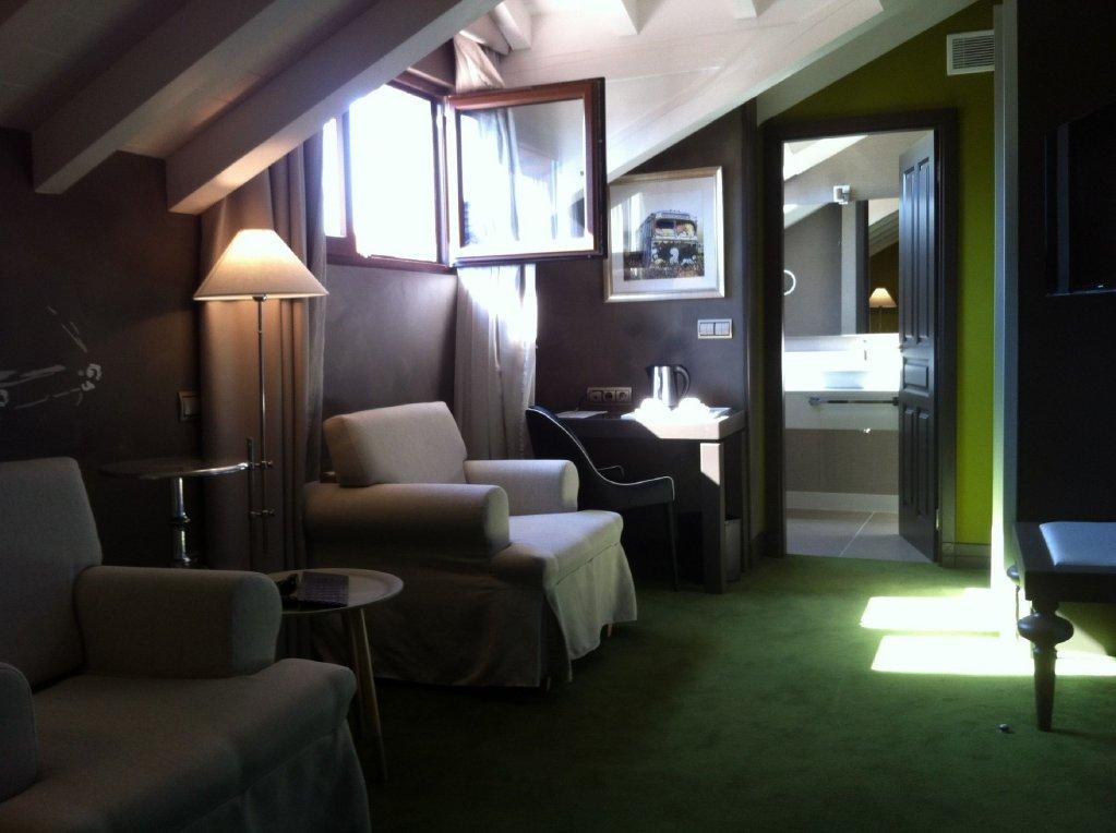 Costa Esmeralda Suites, Suances Image 10