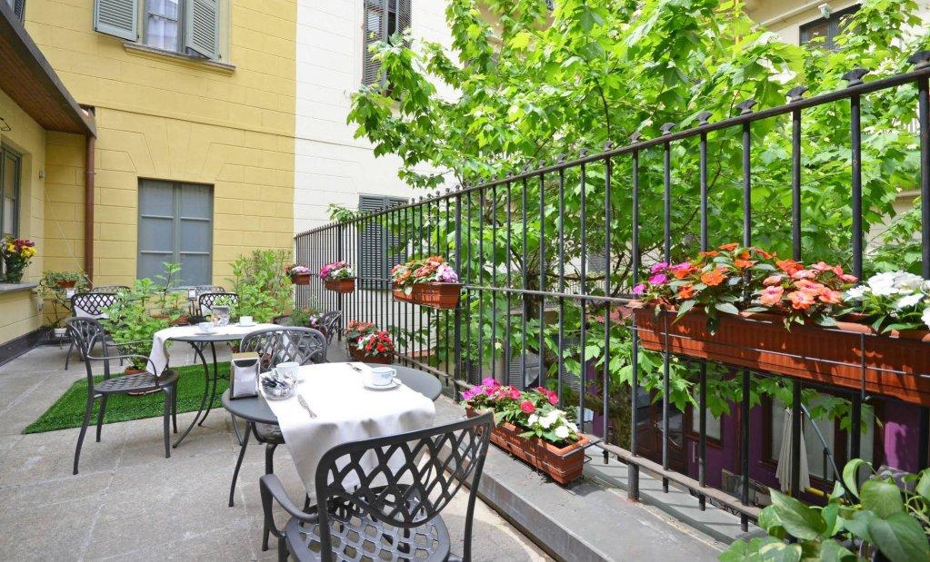 Hotel Roma E Rocca Cavour, Turin Image 0