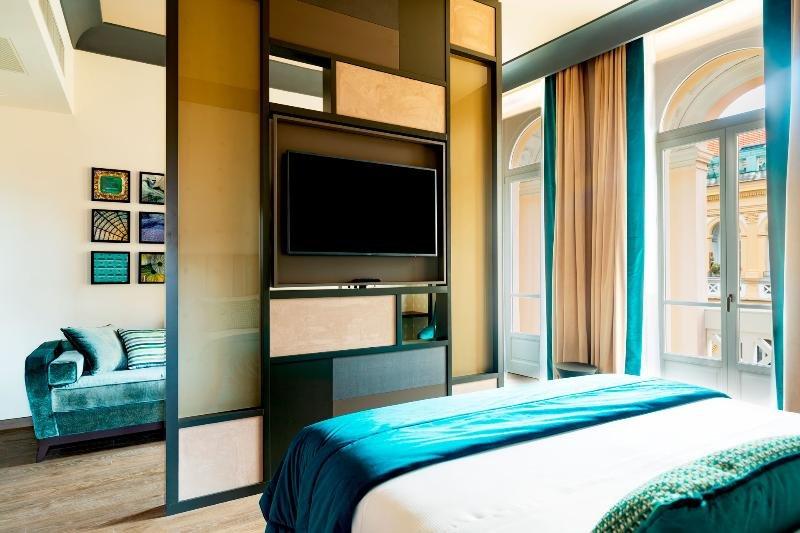 Amadomus Luxury Suites, Naples Image 3