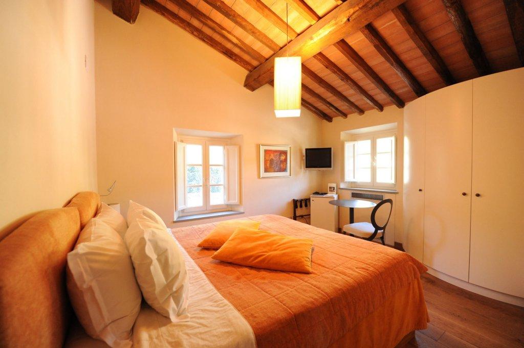 Tenuta San Pietro Hotel & Restaurant, Lucca Image 1
