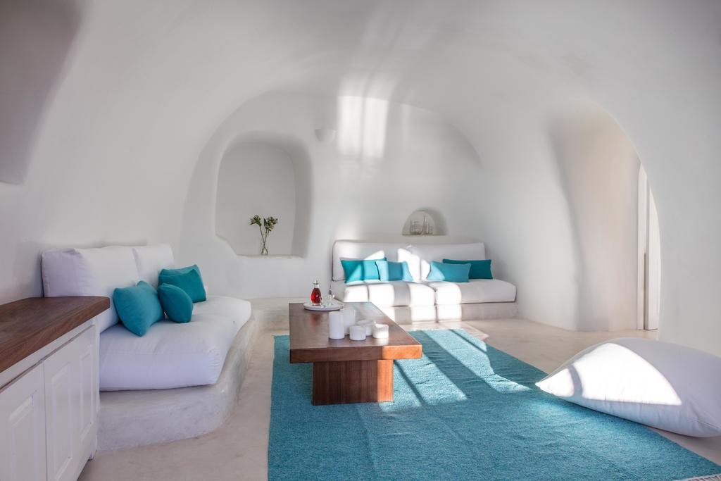 Perivolas, Santorini Image 0