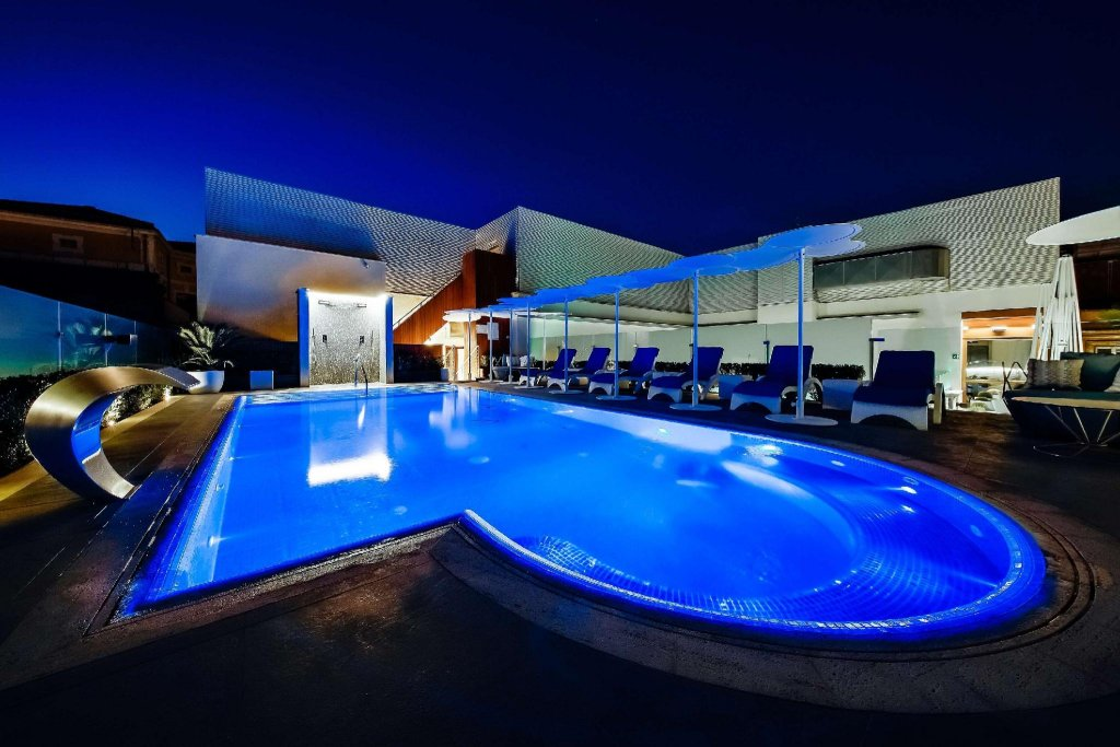 Aleph Rome Hotel, Curio Collection By Hilton Image 3
